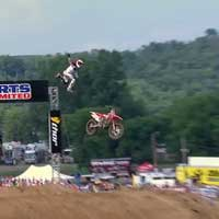 chad-reed-crash-millville_feat