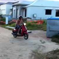 faceplant-motorroller_feat