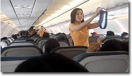 flugzeug-sicherheitshinweise-lady-gaga_big