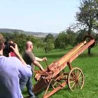 huge-slingshot-cannon_feat