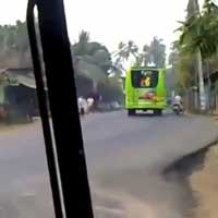 indian-bus-driver_feat
