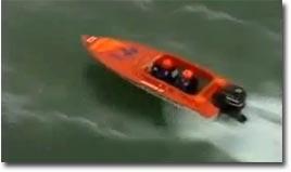 speedboot-taucht-ab_big